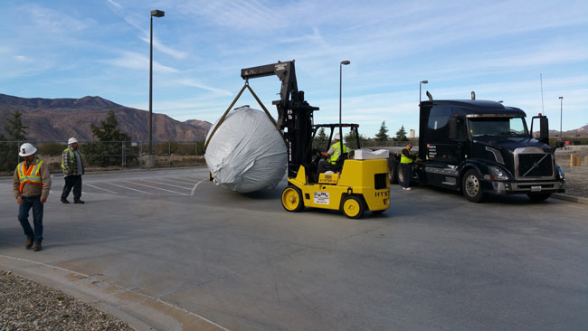 Moving storage tanks
